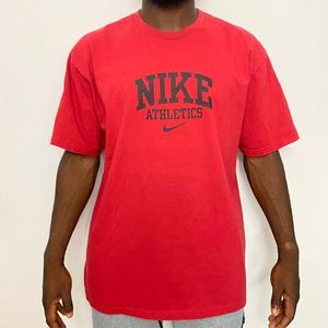 Nike spellout tee. Size XL. Great condition. Red b